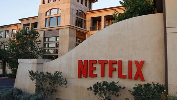 Tại sao Netflix từ chối lời đề nghị mua lại từ Jeff Bezos