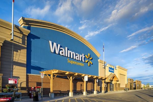 Người làm kinh doanh học được gì từ việc Amazon soán ngôi Walmart