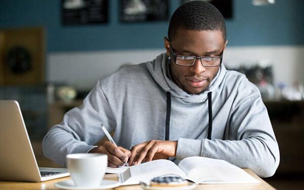 Tại sao bạn cần tuyển một người làm nội dung chuyên nghiệp để phát triển doanh nghiệp