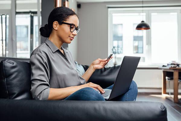 connected consumers là gì